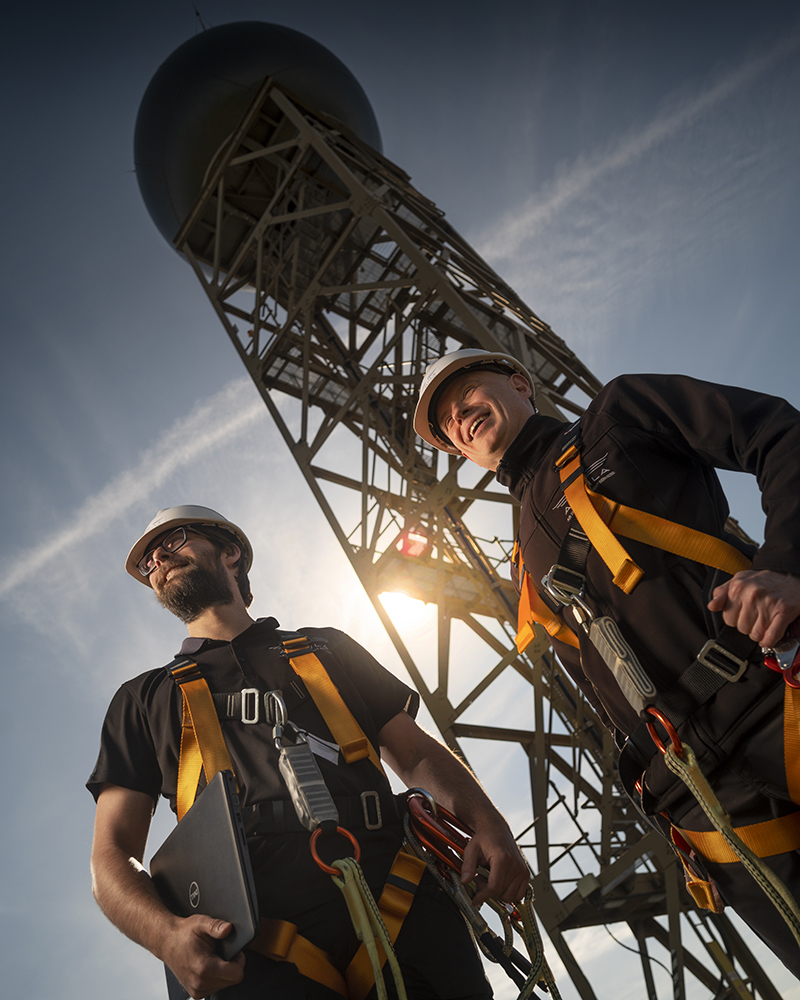 Aquila Regional Maintainers about to safely climb the Primary Surveillance Radar tower